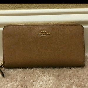 Coach Wallet full zip accordion Camel Brown